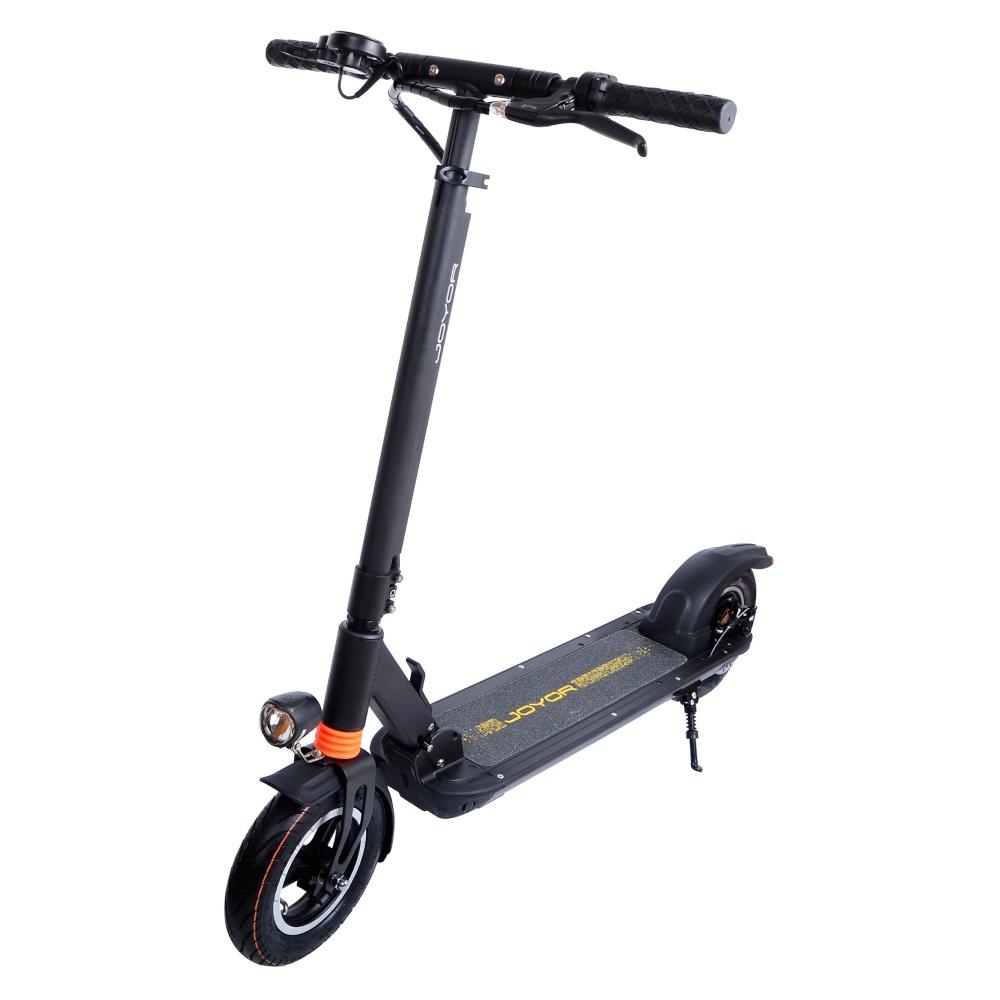 Az elektromos rollerekkel való közlekedést szabályoznák
